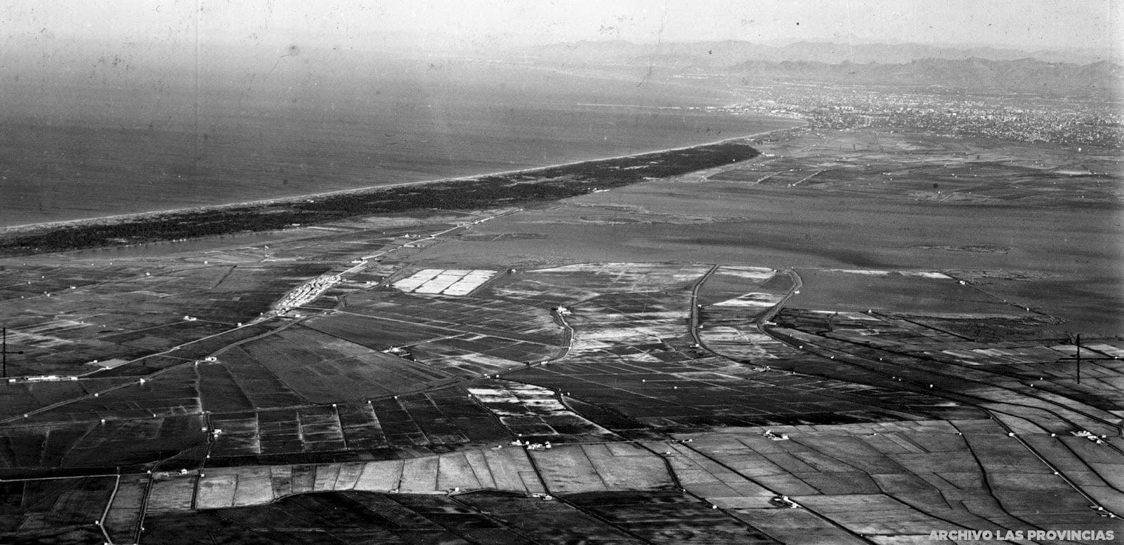 foto aerea de la albufera de valencia